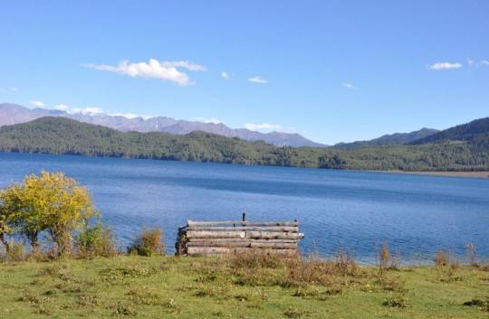 ララ湖トレッキング